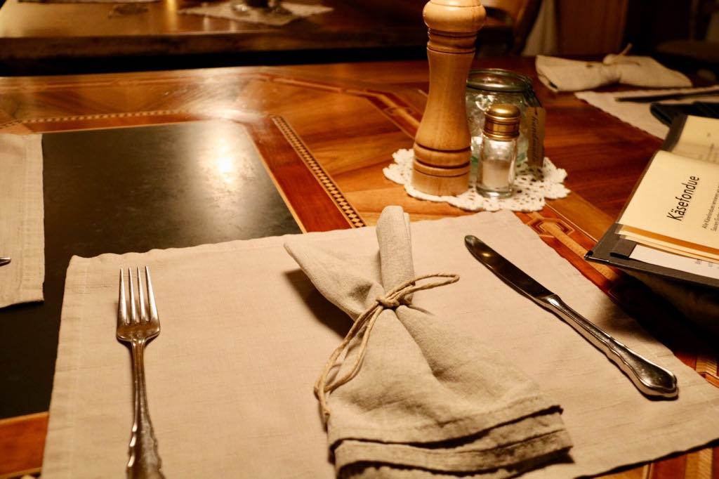 Tisch Gasthof Kreuz