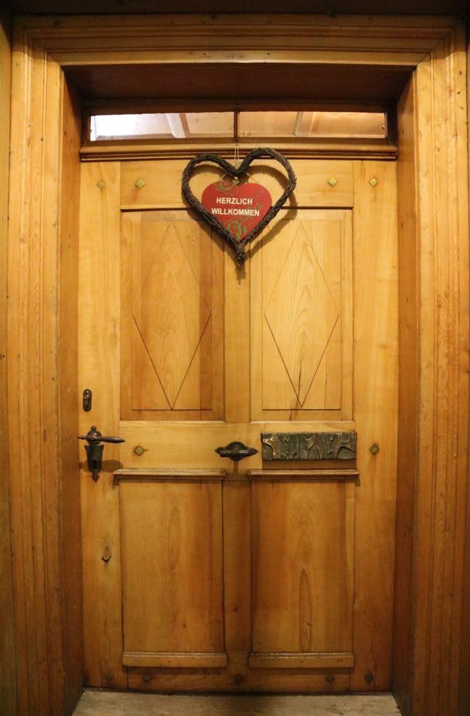 Eingang Gasthaus Kreuz