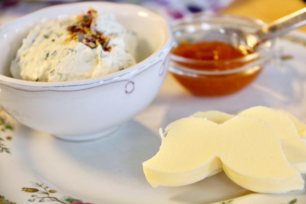 Butter und Marmelade