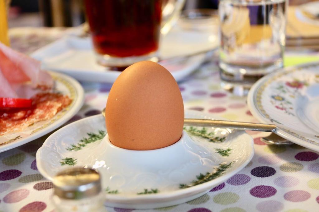 ein Ei zum Frühstück