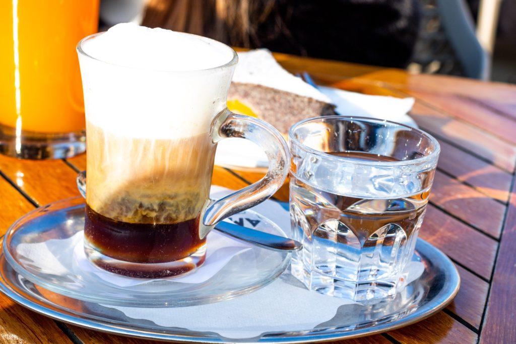 Kaffee im Theatercafé Bregenz