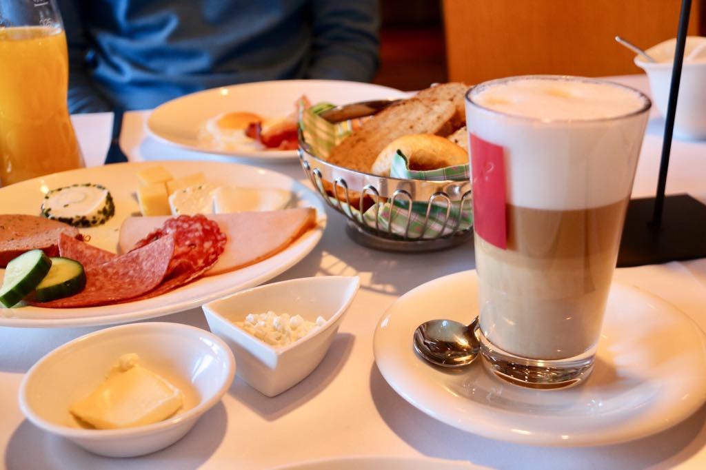 Frühstück in Mellau