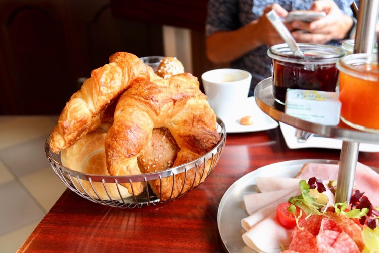 Frühstück im Schlosskaffee Hohenems